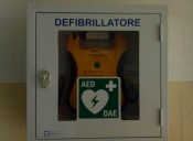 Il defibrillatore arriva in Via Svezia
